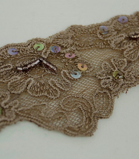 Light Brown Scalloped Embroidery Trim, 13m